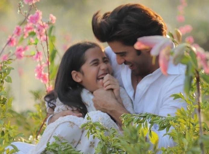 Top 20 Best On-Screen Father-Daughter Moments From Kullfi Kumar Bajewala – In Pics