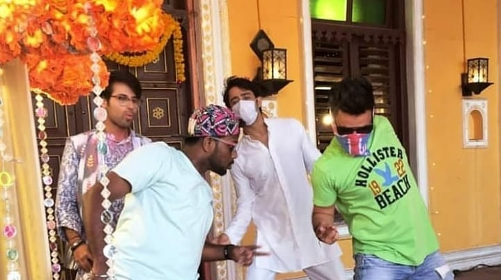 Yeh Rishtey Hain Pyaar Ke UPCOMING : Shaheer Sheikh And Ritvik Arora Are All Set To Groove Together In The Holi Sequence
