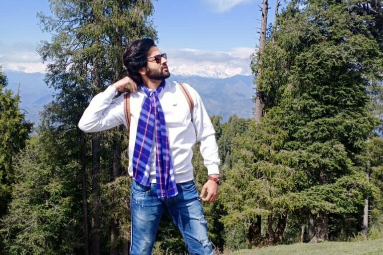 Shashank Vyas Takes A Break Amidst The Mountains!