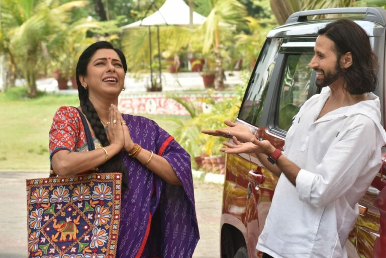 Anupama – Anupama Warns Kavya To Stay Away From Her Family!